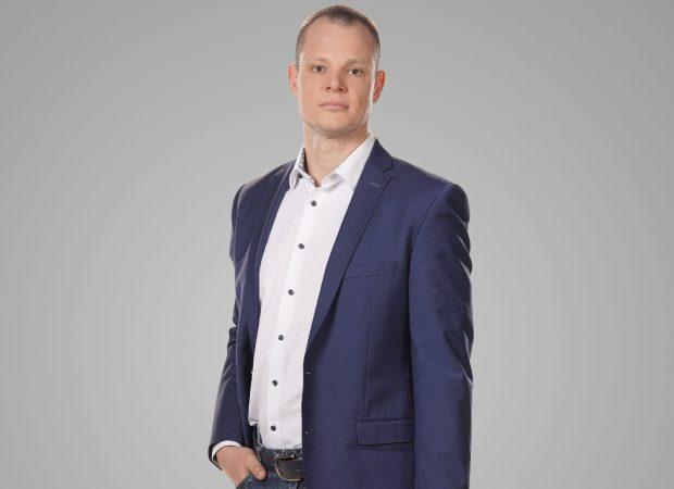 """""""A foci VB-n 26 repülőjáraton ültem 26 nap alatt – Varga Ákos"""